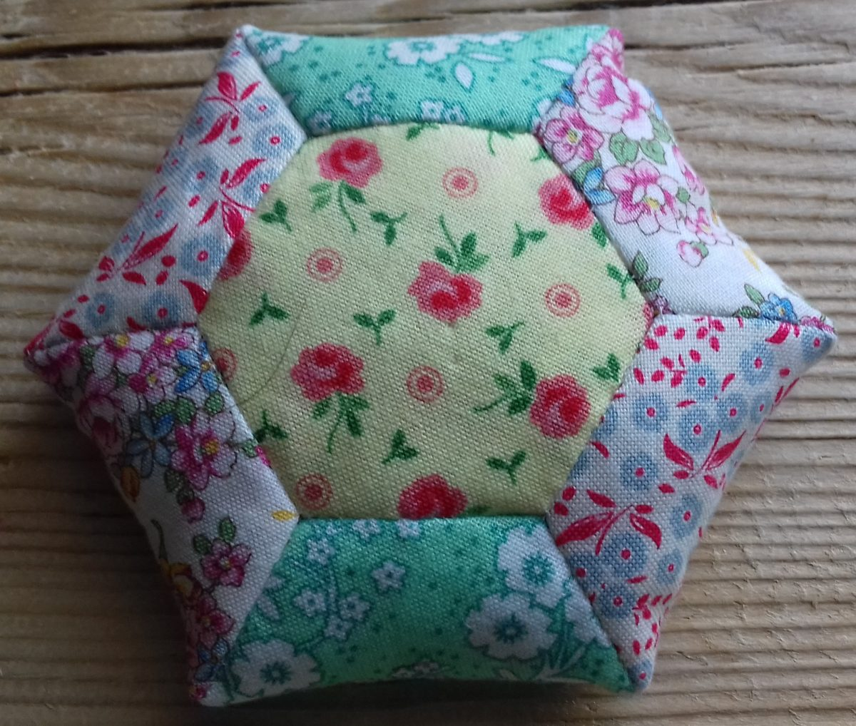 FREE CLASSES! – Quilting (English Paper Piecing)